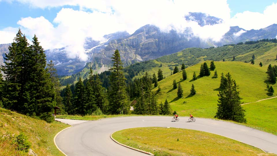 Col-de-la-Croix-Cycling-In-Switzerland-960x542