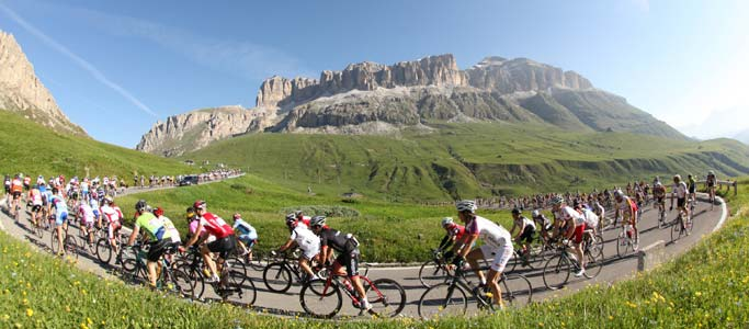 Your holiday pictures will be full of the classic Dolomites scenery after your Maratona dles Dolomites cycling holiday.