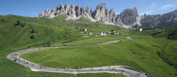 There's a total of 4,190m of climbing over the 138km Maratona dles Dolomites course.