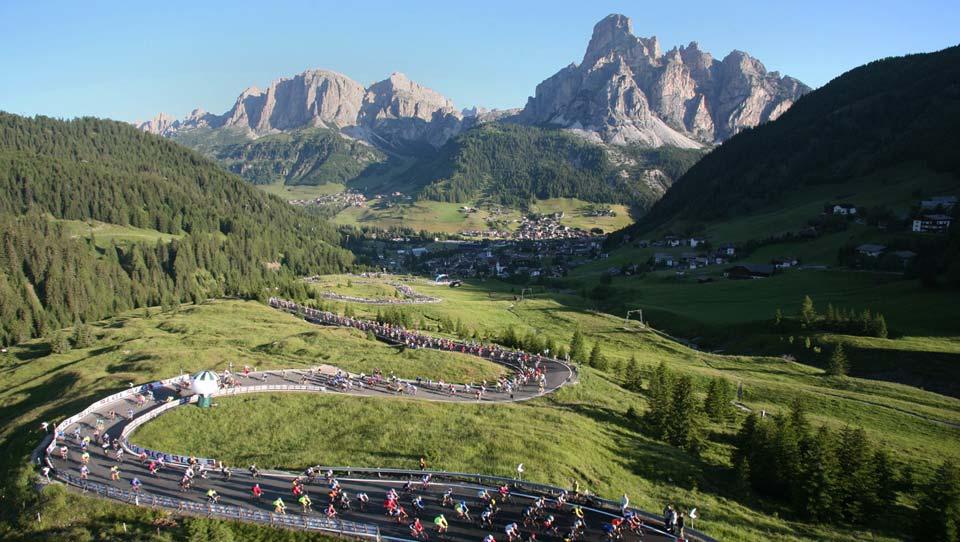 Passo Campolongo Maratona dles Dolomites